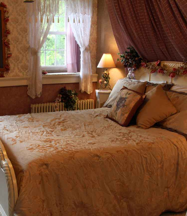 Victorian Bedroom: Iron Stone Acres Bed And Breakfast